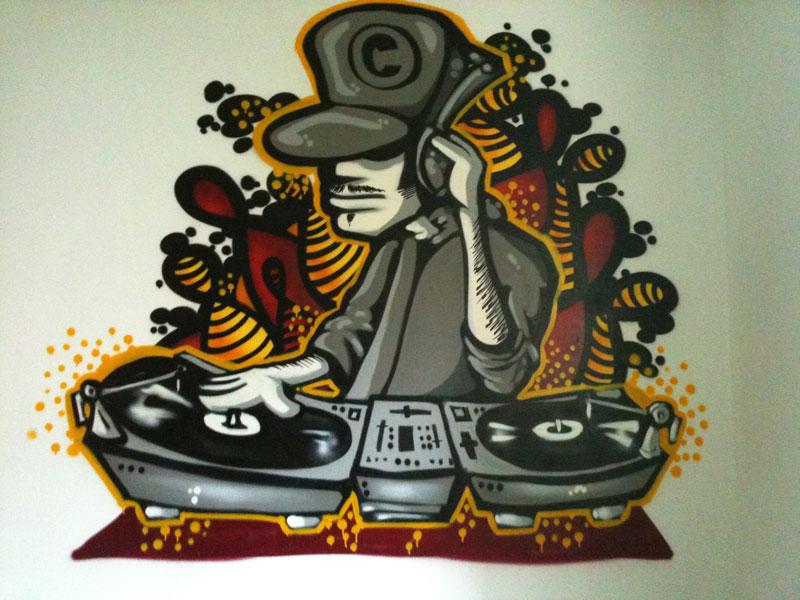 img/streetart/dj1gr.jpg