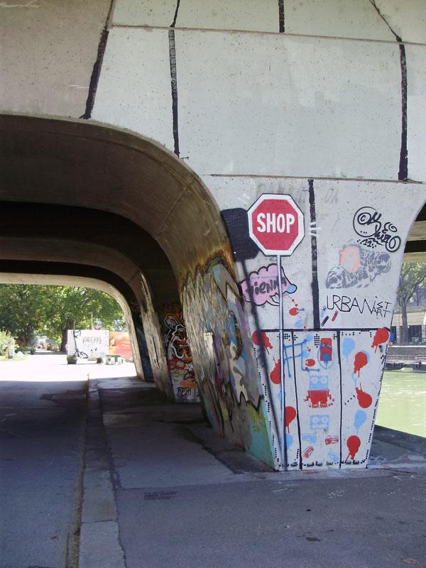 img/streetart/shopgr.jpg
